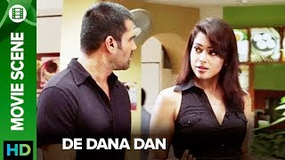 Sameera Reddy gives an ultimatum to Suniel Shetty - De Dana Dan