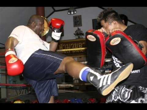 Riddick Bowe to fight Muay Thai now? WOW