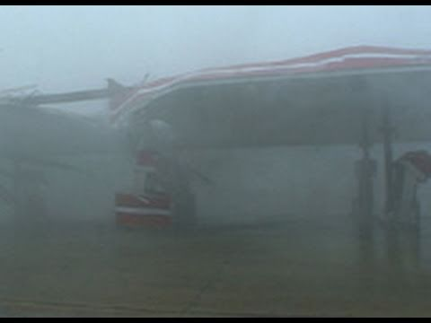 Hurricane Charley (Part 2) Extreme Eyewall Category 5 Wind Gust !