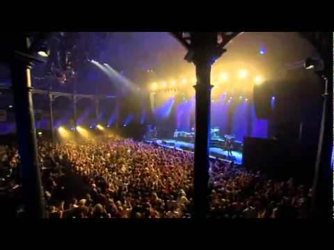 Dave Grohl angry during iTunes Festival show (Uncensored)