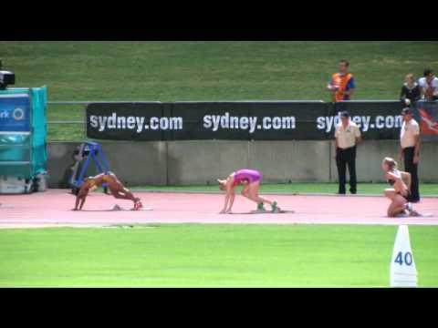 Sally Pearson 200M 23.06 Sydney Track Classic 18/2/2012