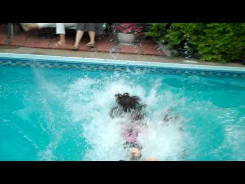 Tom & Melissa pushed in pool