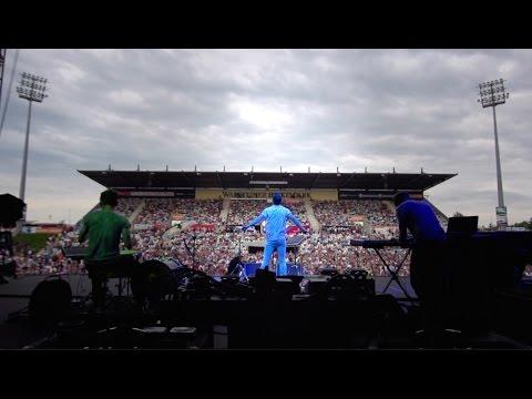Bright Light Bright Light - On Tour With Elton John