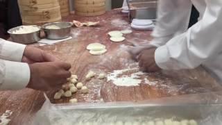 Din Tai Fung in Taipei 101 - Making Soup Dumplings (Xiaol Long Bao, 小籠包)