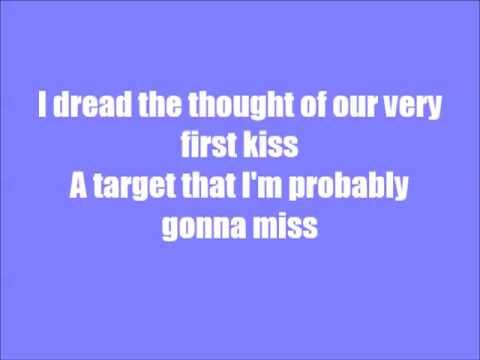 First date lyrics Blink182