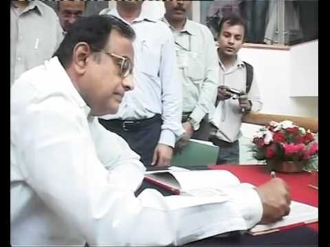 Madras HC rejects petition, Chidambaram trial to continue (SD).mp4