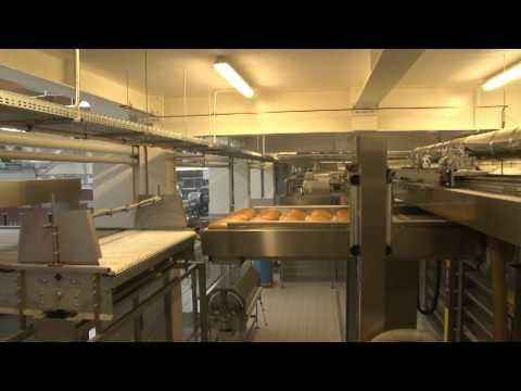 Nowy piecowy w polskiej piekarni, automatyczny system załadunku pieców wsadowych MIWE athlet