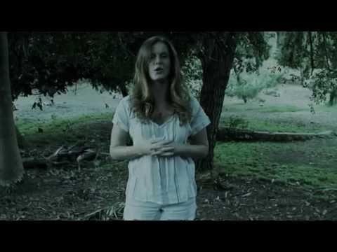 Rebecca Mader - Als Ice Bucket Challenge video