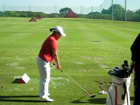 Shin Ji Yai, pratising before her final round at the HSBC Women's Champions 2009 tournament Video