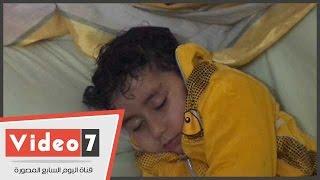 بالفيديو.. بسبب الإهمال.. تعريض حياة طفل للخطر بسبب خطأ عامل بصيدلية فى المحلة