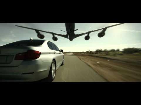Tankanje avionom u vožnji