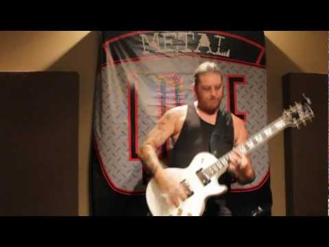 Matt Pike demonstrating his Lace Dirty Heshers