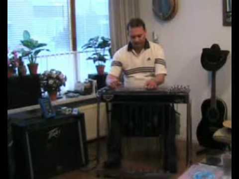 Marcel Parijs playing