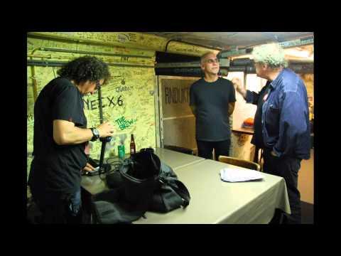Larry Carlton Trio - Sunrise (Live Recording)