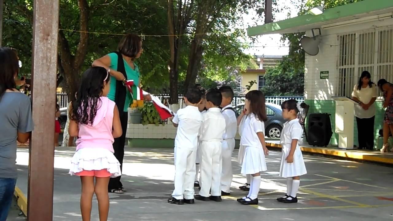03 Recepción de la Bandera a la Nueva Escolta Kinder Federico Froebel
