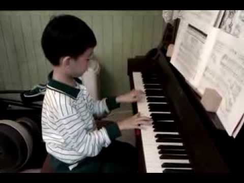 給愛麗絲 (Für Elise)~age 6 musical prodigy Ryan Zhu(Lilia Su啟蒙)