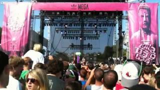 Watch Matt & Kim Lightspeed video
