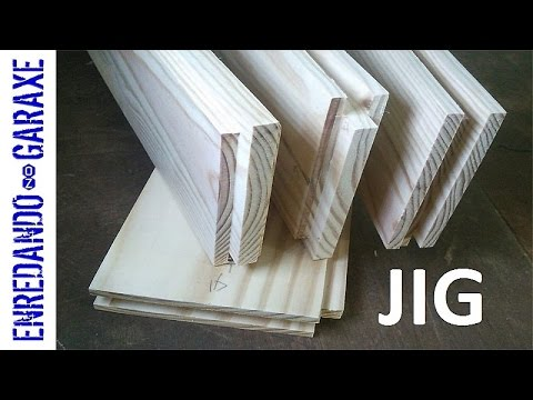 A simple router jig to cut tongue and groove flooring joints