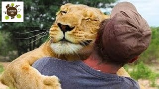 Cutest Animals Hugging Peoples - Animals HD