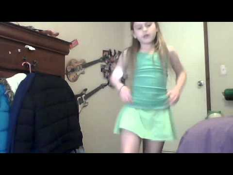EMMA AWSOME DANCING