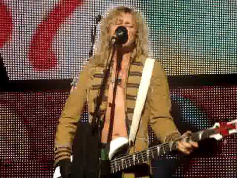 Def Leppard- Animal (Rick Savage only)-live Cuyahoga Falls 6/25/09 Video