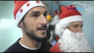 video PESCARA calcio WEBTV - I biancazzurri in visita presso il reparto di pediatria. Hospedae civile di Pecsara - Videomaker Massimo Muccinate.