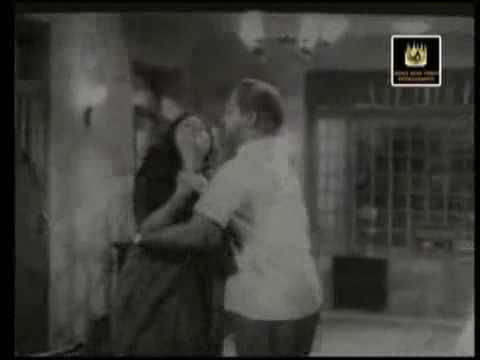 Saroja Devi & Sivaji Ganesan In Palum Pazhamum video