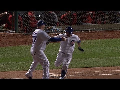 Cubs walk off on Castillo's 10th-inning hit