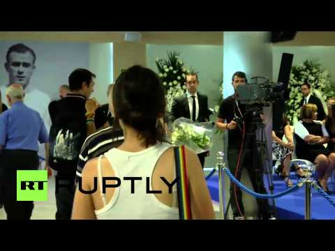 Spain: Real Madrid stars bid farewell to Di Stefano