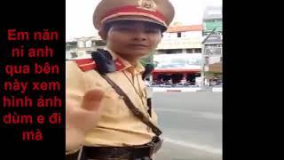 Việt TV- Màng đối đáp hài hước của anh chàng đẹp trai với CSGT Hà Nội mp4