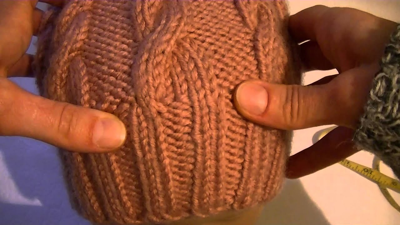 Вязание шапки спицами узором коса с тенью 86