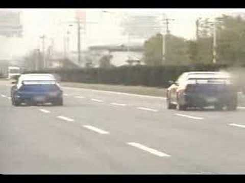 Nissan Skyline R33 Vs. Nissan Skyline R34 Video