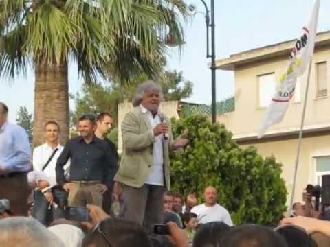 Beppe Grillo a Quartucciu presenta i candidati del Movimento 5 stelle