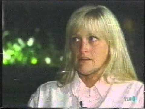 Michael Jackson se divorcia de Debbie Rowe