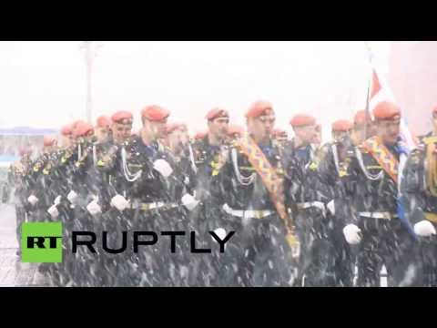 Russia: Spring snow strikes Moscow