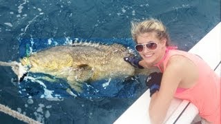 Very Pretty Young Girl Fishing Big Fish - Big Fish Catches Goliath Grouper - Catch Big Fish Florida