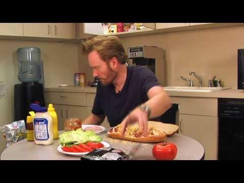 Thumb How Conan O'Brien makes a sandwich