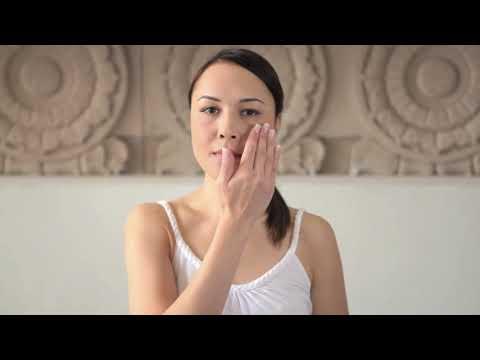 Kama Ayurveda Kumkumadi Miraculous Beauty Fluid: How To Use