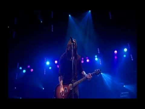 11. Alter Bridge - Blackbird LIVE