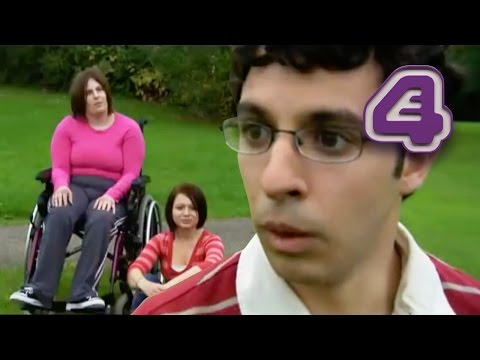 The Inbetweeners | Larks at the Park | E4
