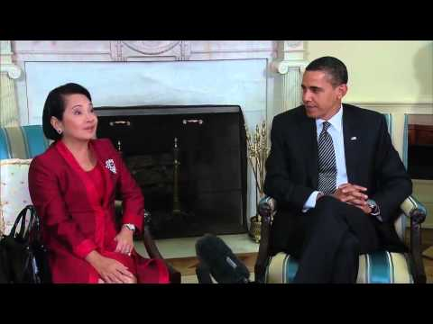 President Obama and President Gloria Macapagal-Arroyo Talk to the Press