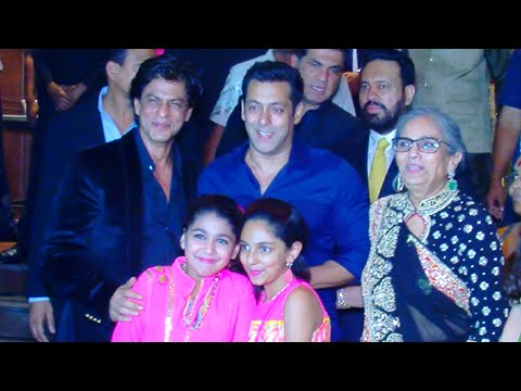 (VIDEO) Shah Rukh Khan Salman Khan Meet And Greet Again - Arpita Khan Reception Party