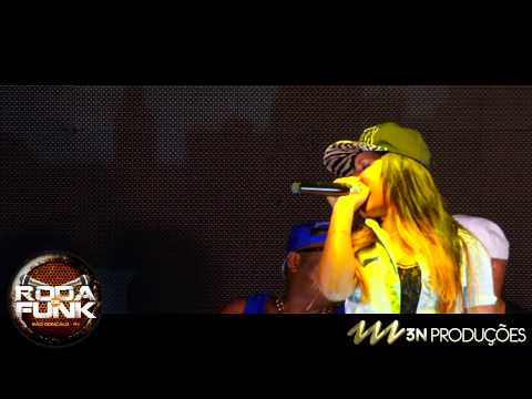 MC Britney - Feat. MC Max :: Ao vivo na Roda de Funk da Ilha do Governador ::