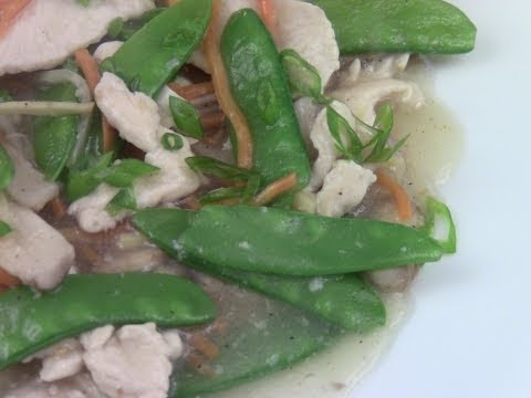 Moo Goo Gai Pan (Chicken with Snow Peas)