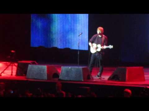 Ed Sheeran - Bloodstream live @ Ericsson Globe, Stockholm, Sweden november 12 2014