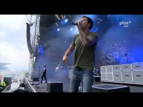 Simple Plan - Can't Keep My Hands Off You [Live]