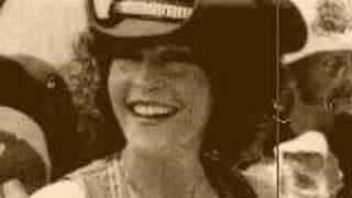 Watch Donna Fargo Puffy Eyes video