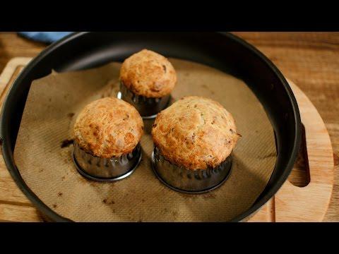 Сырные кексы с беконом