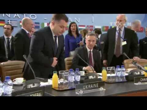 NATO hỗ trợ cải cách toàn diện quân đội Ukraine