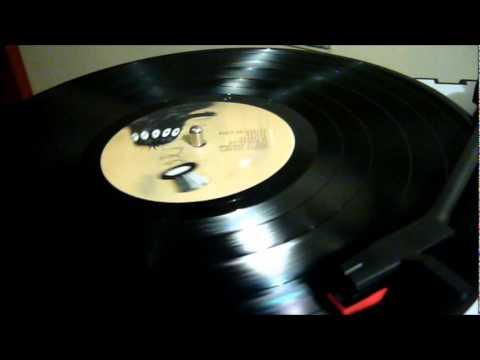 MUSICA EN 33RPM Gepe – Por la ventana